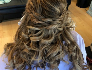 bridal wedding hair with curls